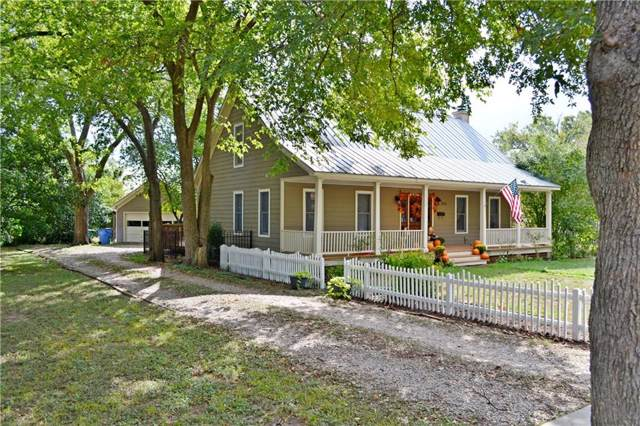 1705 Pecan St, Bastrop, TX 78602 (#6939841) :: The Perry Henderson Group at Berkshire Hathaway Texas Realty