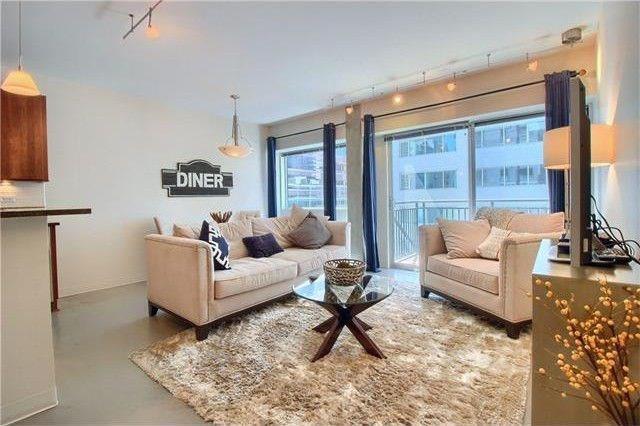 800 Brazos St #902, Austin, TX 78701 (#1000062) :: Austin Portfolio Real Estate - Keller Williams Luxury Homes - The Bucher Group