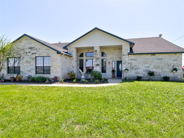 100 Oak Stone Dr, Jarrell, TX 76537 (#1081585) :: RE/MAX Capital City