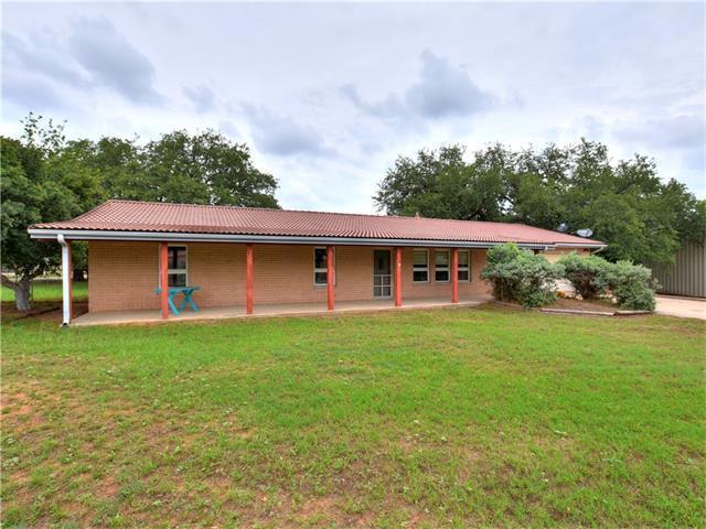 201 Oakleaf Dr, Sunrise Beach, TX 78643 (#1096680) :: Papasan Real Estate Team @ Keller Williams Realty