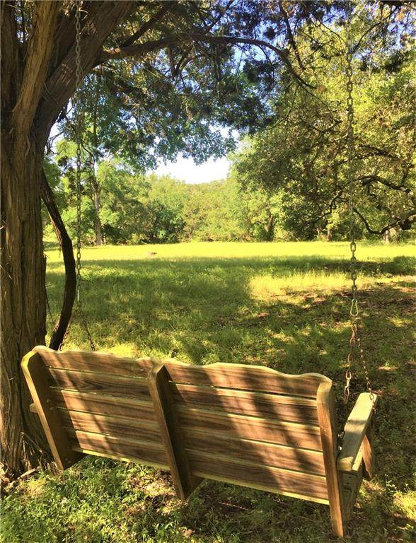 800 Cattle Trail Dr, Dripping Springs, TX 78620 (#1154024) :: R3 Marketing Group