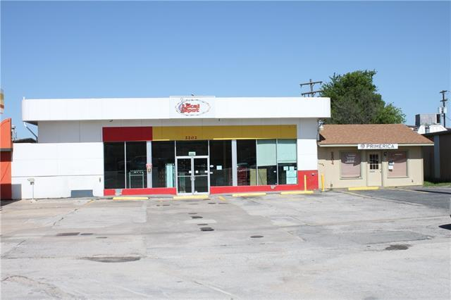 2202 Us Highway 281, Marble Falls, TX 78654 (#1186729) :: NewHomePrograms.com LLC