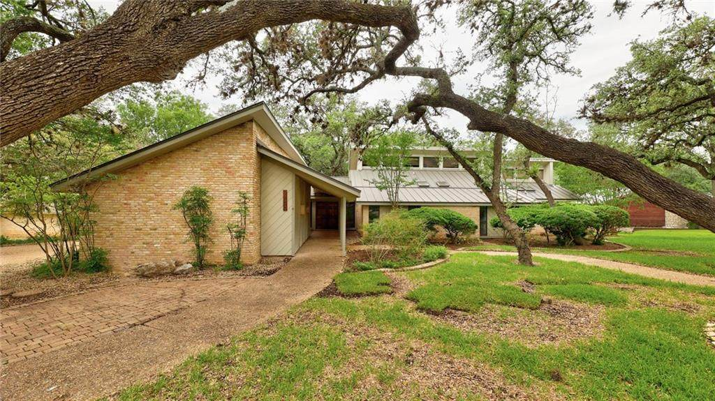 9400 Spring Hollow Dr - Photo 1