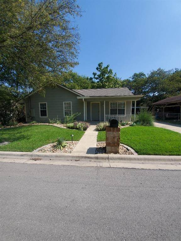 1209 Forest St - Photo 1