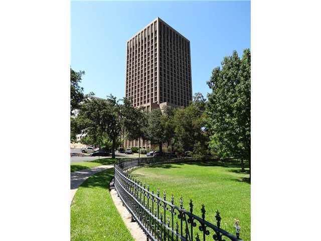 1122 Colorado St #1102, Austin, TX 78701 (#1307487) :: The Heyl Group at Keller Williams