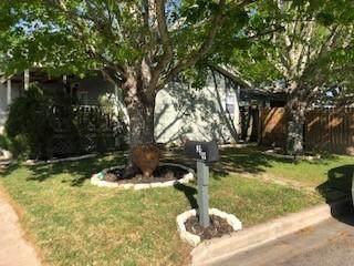 319 I Ave, Shiner, TX 77984 (#1350277) :: Papasan Real Estate Team @ Keller Williams Realty