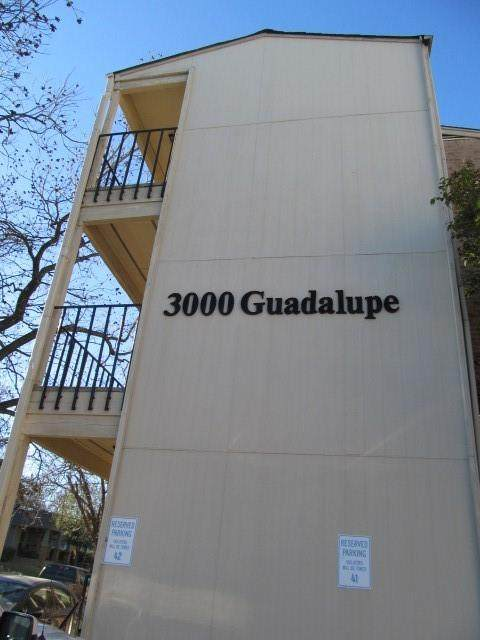 3000 Guadalupe St #303, Austin, TX 78705 (#1368103) :: RE/MAX IDEAL REALTY