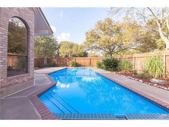 2 Hillview Dr, Round Rock, TX 78664 (#1427820) :: The Heyl Group at Keller Williams