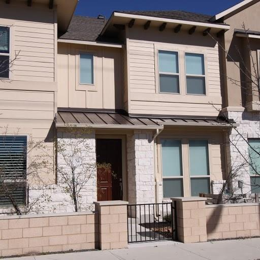 6814 East Riverside Dr B3 U32 Dr #32, Austin, TX 78741 (#1496237) :: The Heyl Group at Keller Williams