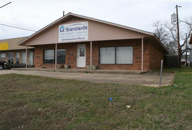 1802 W Cameron Ave, Rockdale, TX 76567 (#1503836) :: Papasan Real Estate Team @ Keller Williams Realty