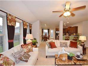 212 Anderson St, Hutto, TX 78634 (#1555816) :: The Perry Henderson Group at Berkshire Hathaway Texas Realty