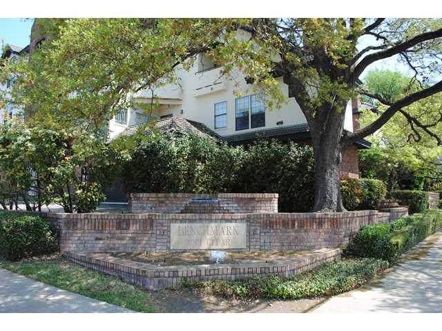 3001 Cedar St A-216, Austin, TX 78705 (#1563724) :: Douglas Residential