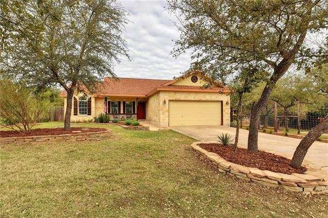 10810 Wildwood Cir, Dripping Springs, TX 78620 (#1567194) :: Ben Kinney Real Estate Team