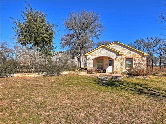 248 Privada Dr, Del Valle, TX 78617 (#1597959) :: Kevin White Group