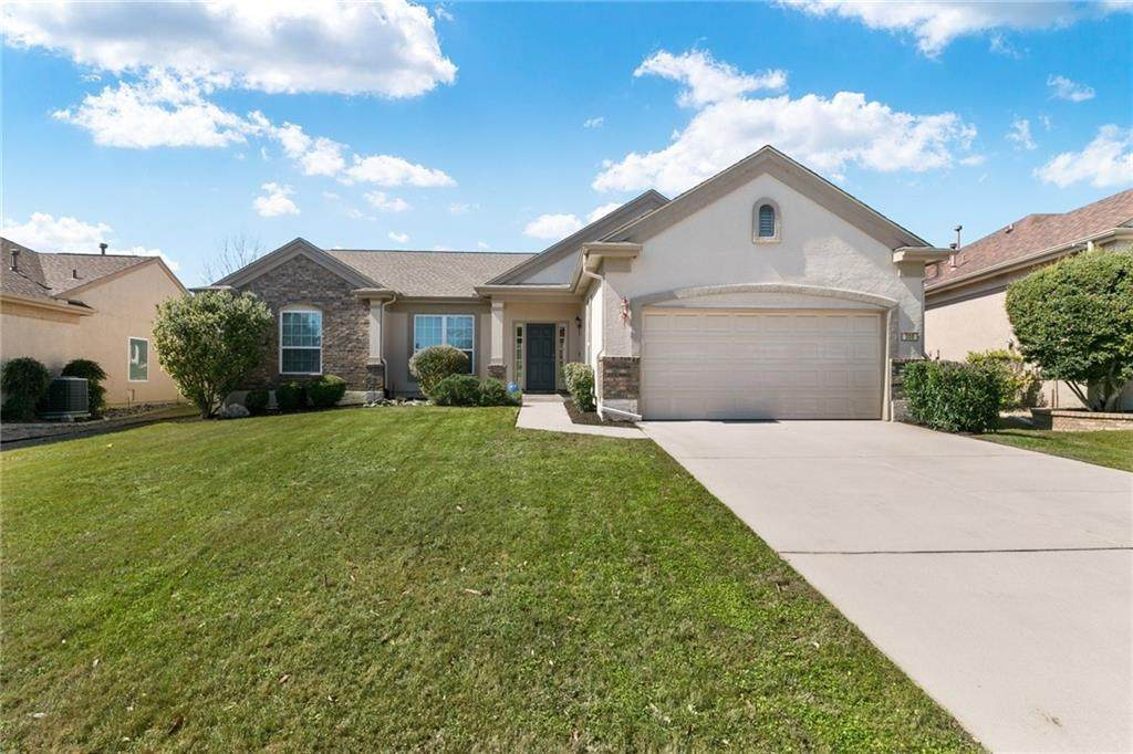 308 Armstrong Dr - Photo 1