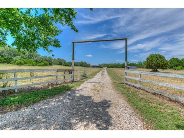 2005 County Road 255, Georgetown, TX 78633 (#1661645) :: Van Poole Properties