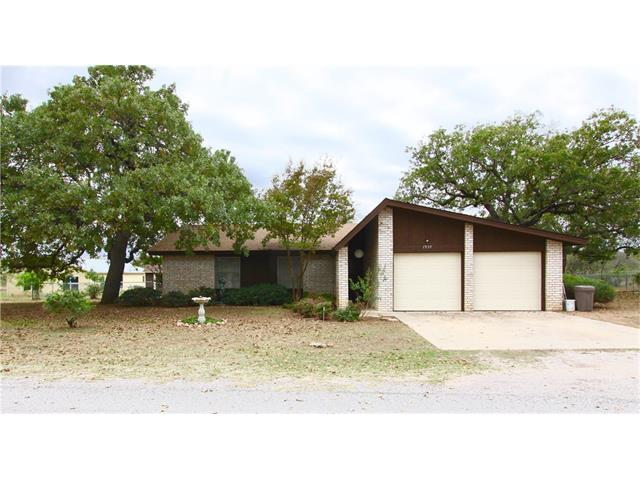 1939 Forest Trl, Kingsland, TX 78639 (#1872070) :: The ZinaSells Group