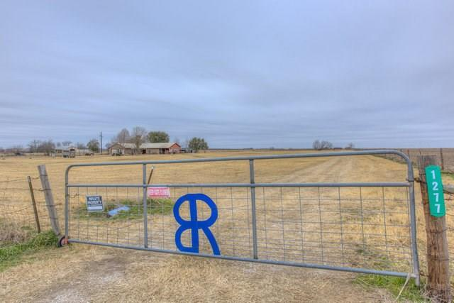 1277 County Road 463, Thorndale, TX 76577 (#1978250) :: The Perry Henderson Group at Berkshire Hathaway Texas Realty