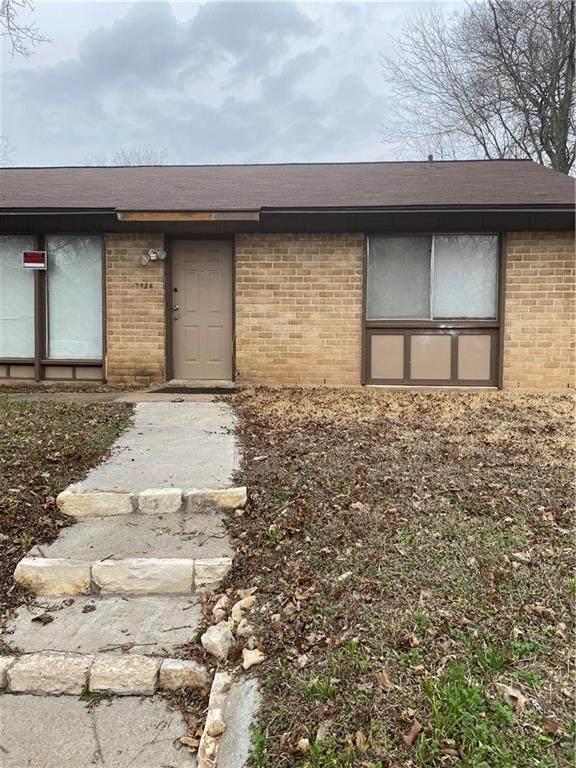 2204 Palmera Cv, Austin, TX 78744 (#2037797) :: Ben Kinney Real Estate Team