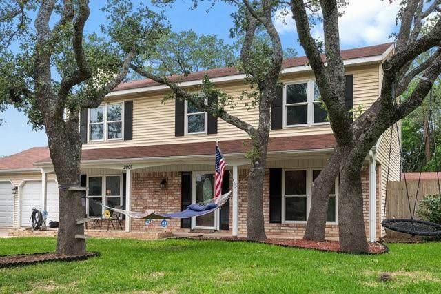 2001 Rock Creek Dr, Round Rock, TX 78681 (#2040895) :: Zina & Co. Real Estate