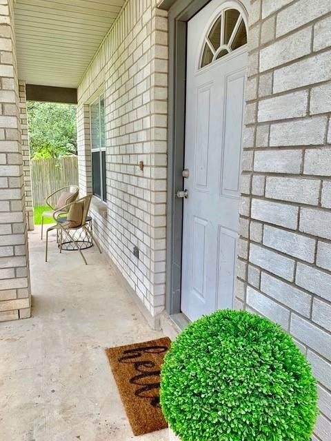 1406 Hangtree Cv, Cedar Park, TX 78613 (#2051866) :: Papasan Real Estate Team @ Keller Williams Realty