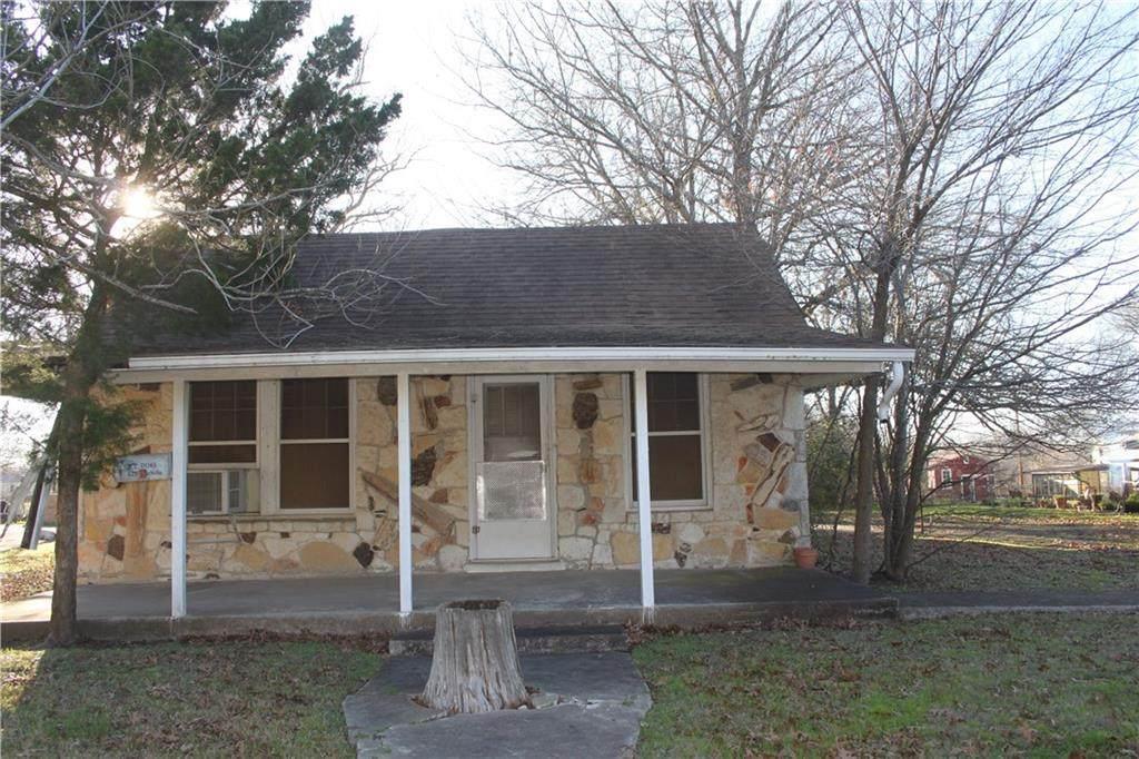 621 Wichita St - Photo 1