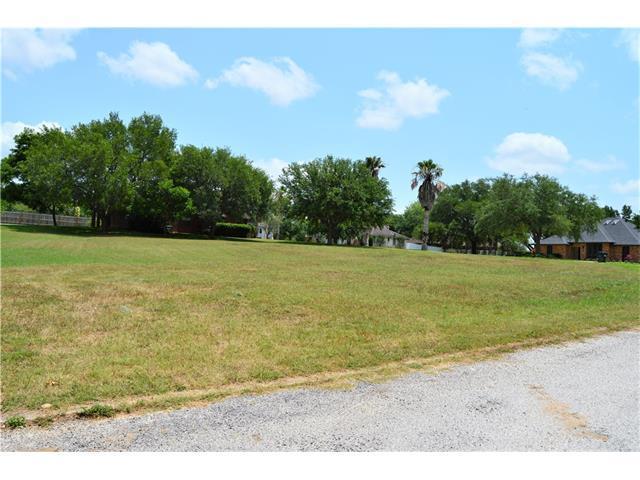 27 Park Place Dr, Gonzales, TX 78629 (#2196629) :: Forte Properties