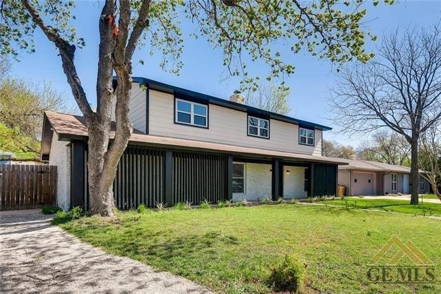 3100 Val Dr, Austin, TX 78723 (#2275650) :: The Perry Henderson Group at Berkshire Hathaway Texas Realty