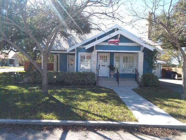 208 W Vaughan St, Bertram, TX 78605 (#2321826) :: TexHomes Realty