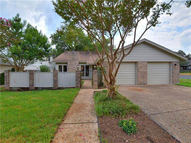 5609 Courtyard Cv, Austin, TX 78731 (#2489124) :: The Perry Henderson Group at Berkshire Hathaway Texas Realty