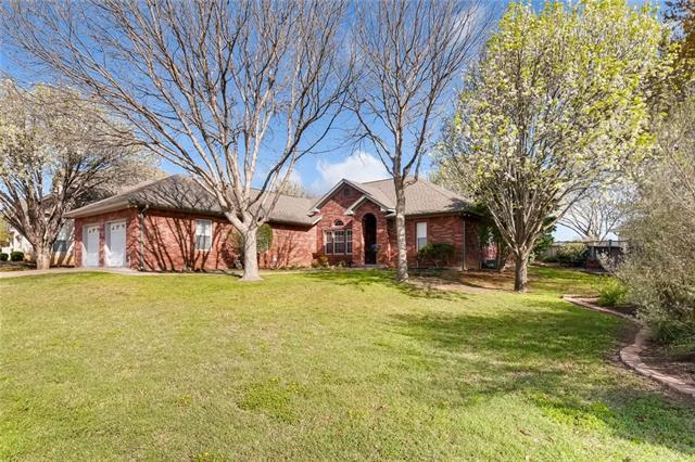 146 Broadmoor St, Meadowlakes, TX 78654 (#2493113) :: The ZinaSells Group