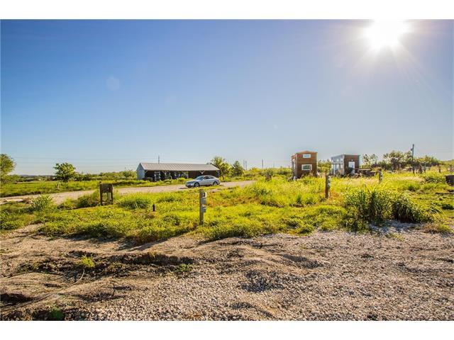 7300 Kellam Rd, Del Valle, TX 78617 (#2621624) :: Kevin White Group