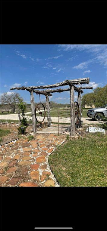 18524 U.S. Highway 281, Adamsville, TX 76550 (#2728711) :: ORO Realty