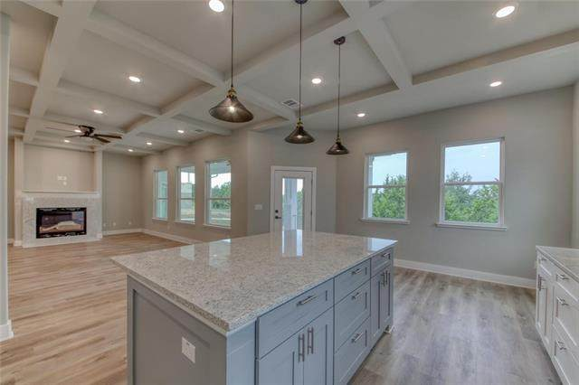 20502 Southbend St, Lago Vista, TX 78645 (#2789221) :: The Perry Henderson Group at Berkshire Hathaway Texas Realty