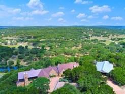 400 Red Hawk Rd, Wimberley, TX 78676 (#2954017) :: Ben Kinney Real Estate Team