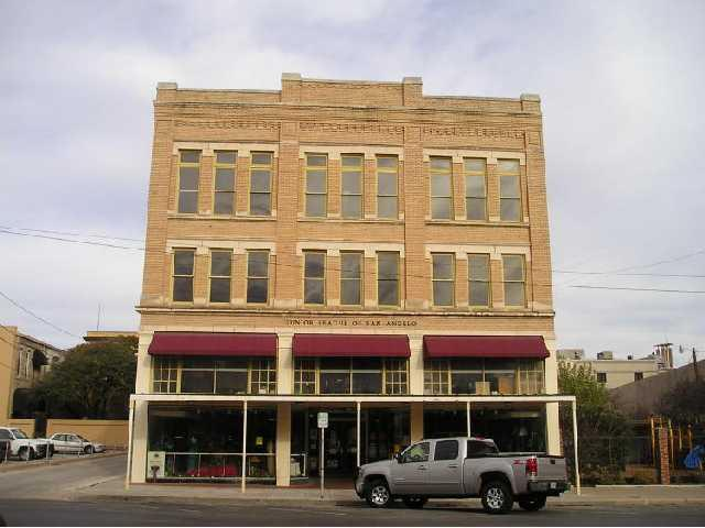 12 E Twohig, Other, TX 76902 (#3126952) :: Papasan Real Estate Team @ Keller Williams Realty