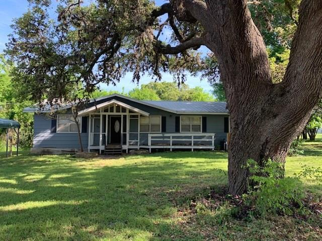 307 E 7th St, Flatonia, TX 78941 (#3217717) :: The Heyl Group at Keller Williams