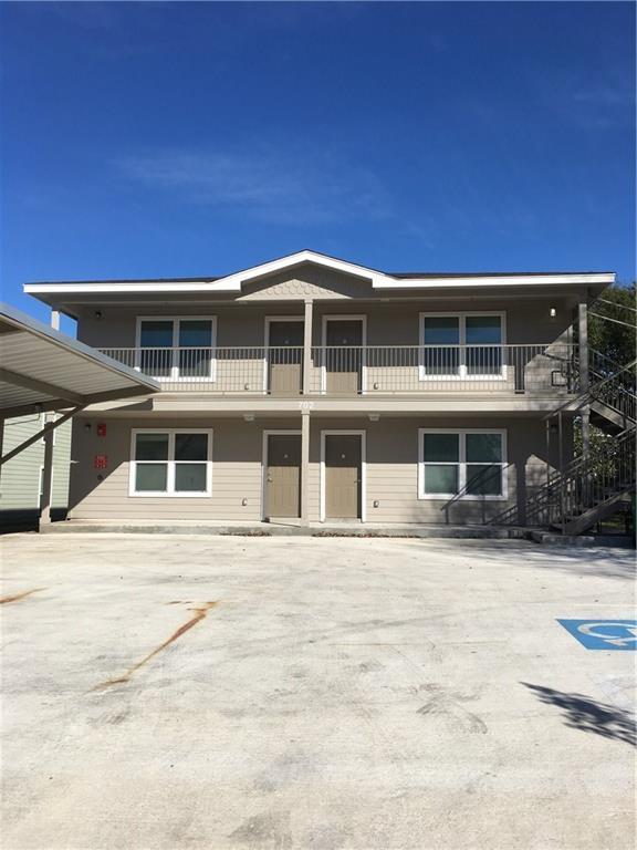 702 W 6th St, Taylor, TX 76574 (#3270432) :: Papasan Real Estate Team @ Keller Williams Realty