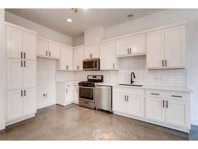 607 W Saint Johns Ave #4, Austin, TX 78752 (#3334776) :: Magnolia Realty