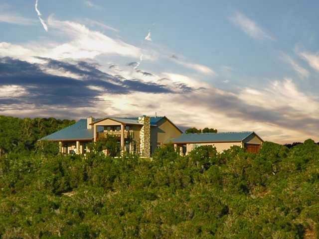 225 Hillview Trl, Dripping Springs, TX 78620 (#3343991) :: Ben Kinney Real Estate Team