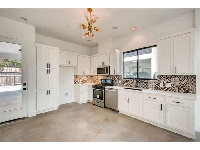 607 W Saint Johns Ave, Austin, TX 78752 (#3457086) :: Magnolia Realty