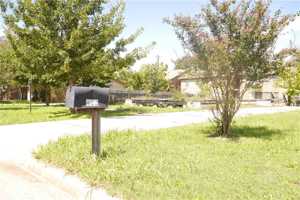 410 Persimmon St - Photo 1
