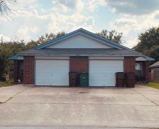 1003 S Medina St, Lockhart, TX 78644 (#3479849) :: Lauren McCoy with David Brodsky Properties