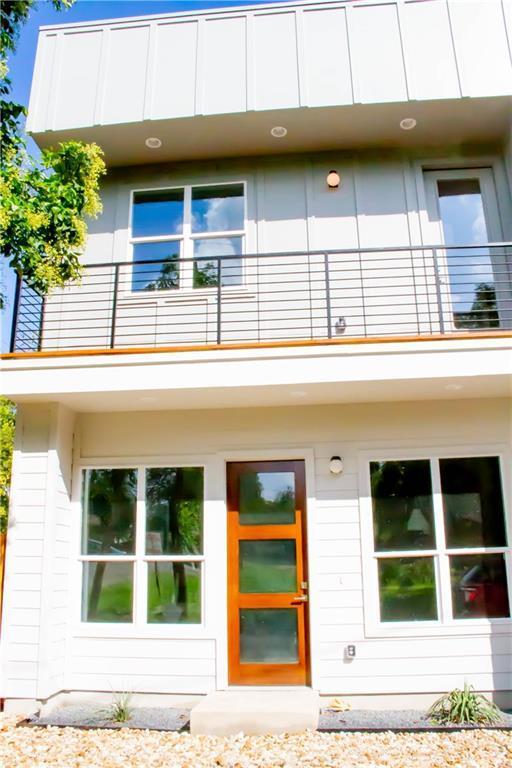 1802 Maple Ave Unit B, Austin, TX 78702 (#3483809) :: Ana Luxury Homes