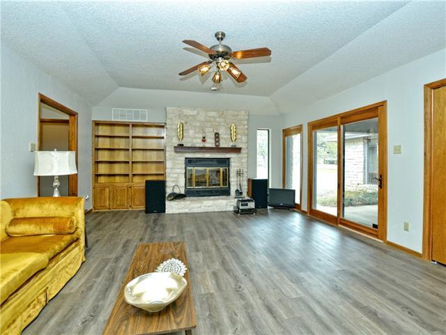 800 Oak Crest Ln, Georgetown, TX 78628 (#3502700) :: Watters International