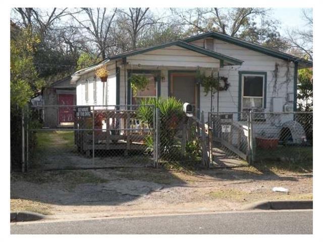 2511 E 4th St, Austin, TX 78702 (#3595198) :: The ZinaSells Group