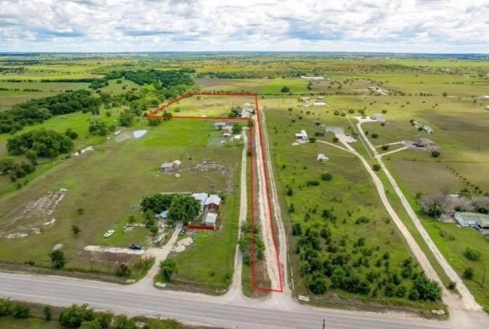 105 Private Road 923 - Photo 1