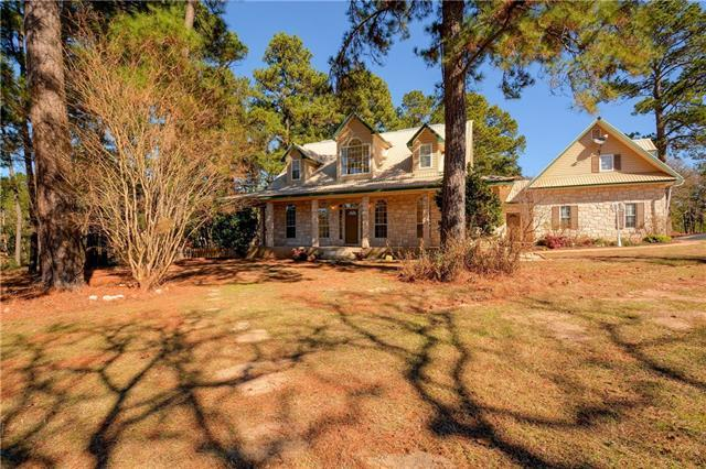 100 Pine Path, Bastrop, TX 78602 (#3728953) :: The ZinaSells Group