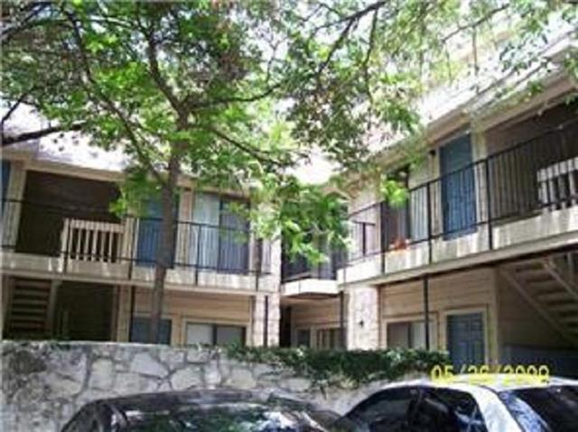708 Graham Pl #203, Austin, TX 78705 (#3769926) :: Van Poole Properties Group