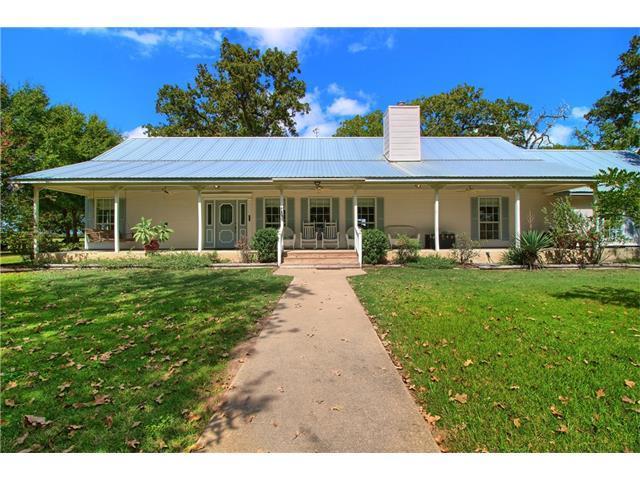 321 Circle Rd, Smithville, TX 78957 (#3780685) :: TexHomes Realty